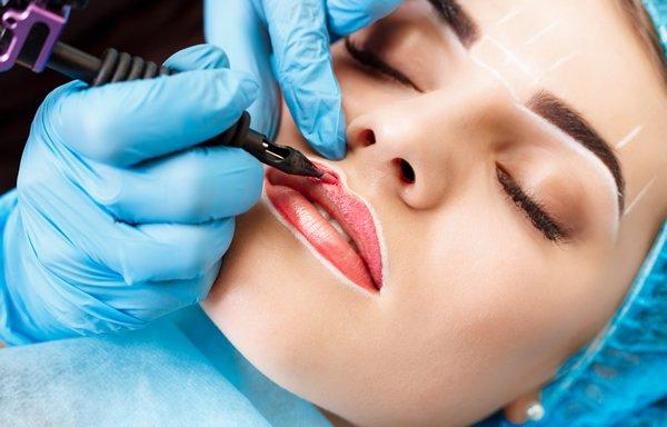 Women getting permanent cosmetic makeup seoul skin treatments